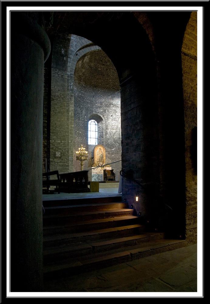 Monastir de Santa Maria de Ripoll (Girona) Photo by PJ McKey