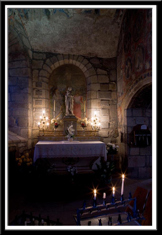 Église Saint-Laurent d'Auzon, Auzon (Haute-Loire)  Photo by Dennis Aubrey