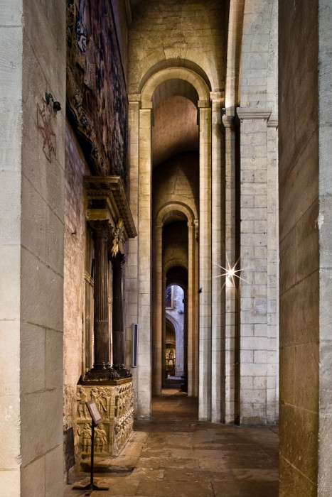 South side aisle, Cathédrale Saint-Trophime, Arles (Bouches-du-Rhône)  (Photo by PJ McKey)