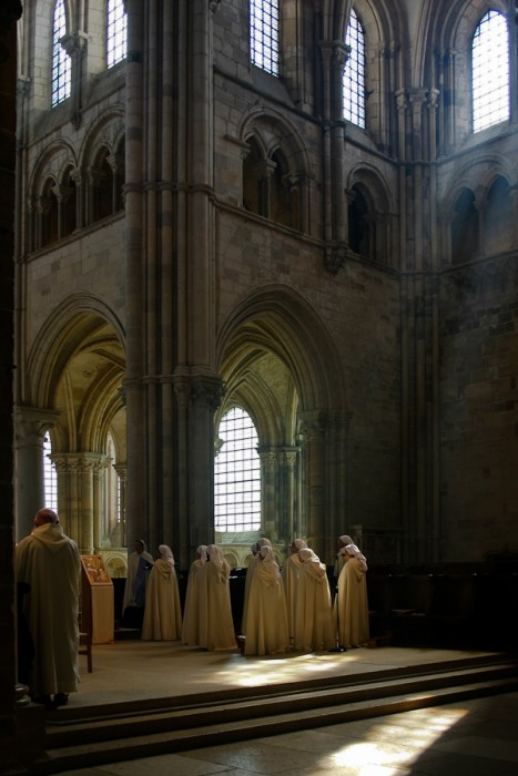 Afternoon mass in Vézelay