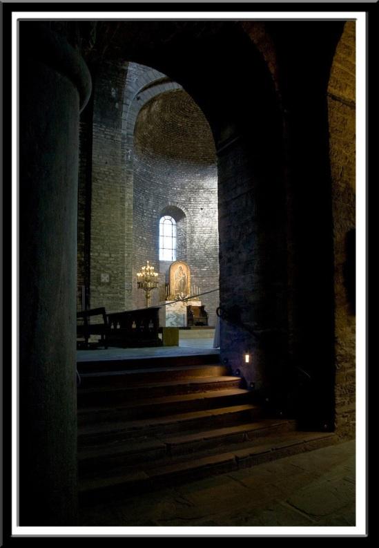 Altar of Monastir Santa Maria de Ripoll (Girona)  Photo by PJ McKey