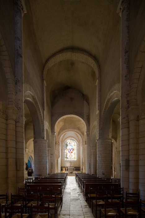 Nave, Église Saint Pierre de Carennac  (Photo by Dennis Aubrey)