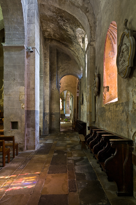 Side aisle, Église Saint Martin, Artonne (Puy-de-Dôme)  Photo by PJ McKey