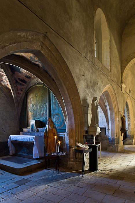 Chapel, north side aisle, Église Saint Pierre de Carennac  (Photo by PJ McKey)