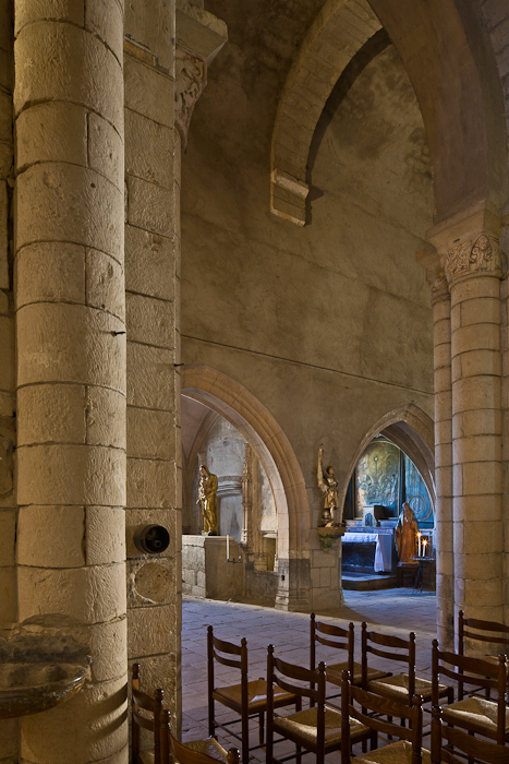 View across nave to side chapels, Église Saint Pierre de Carennac  (Photo by PJ McKey)