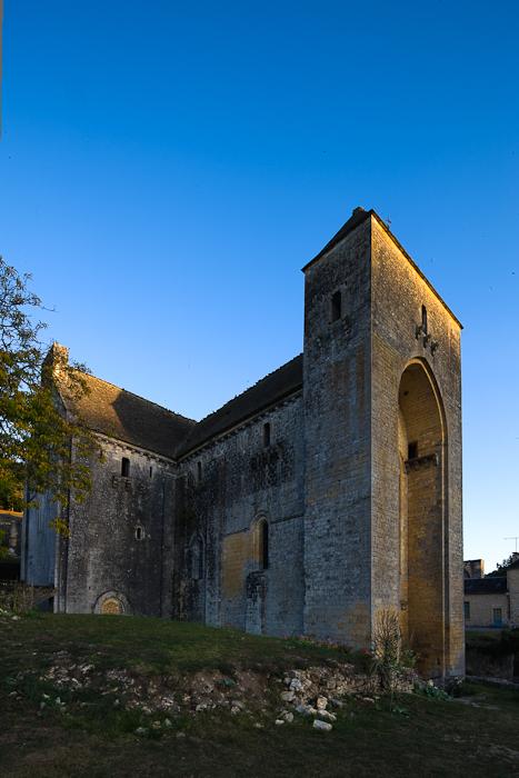 Église Abbatiale Saint-Amand-du-Coly (Dordogne)  Photo by Dennis Aubrey