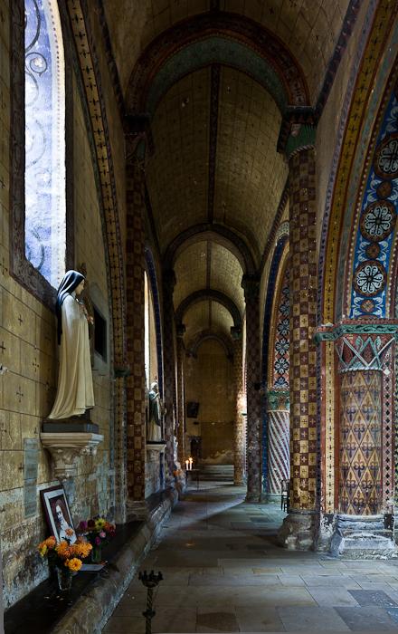 North side aisle, Église Saint-Nicolas, Civray  (Vienne)  Photo by PJ McKey
