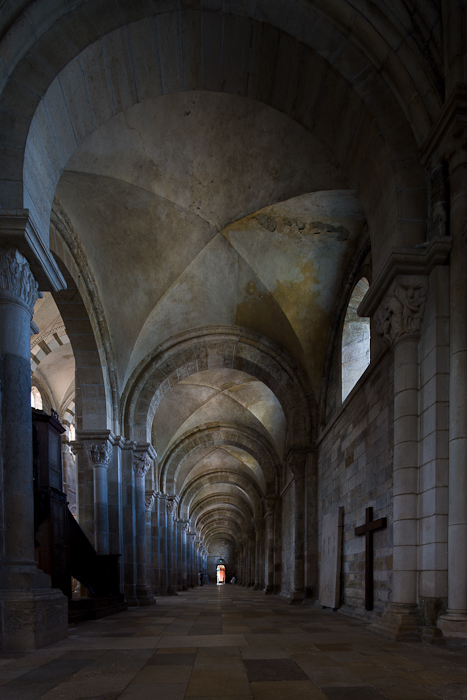 North side aisle, Basilique Sainte Madeleine, Vézelay (Yonne)  Photo by Dennis Aubrey