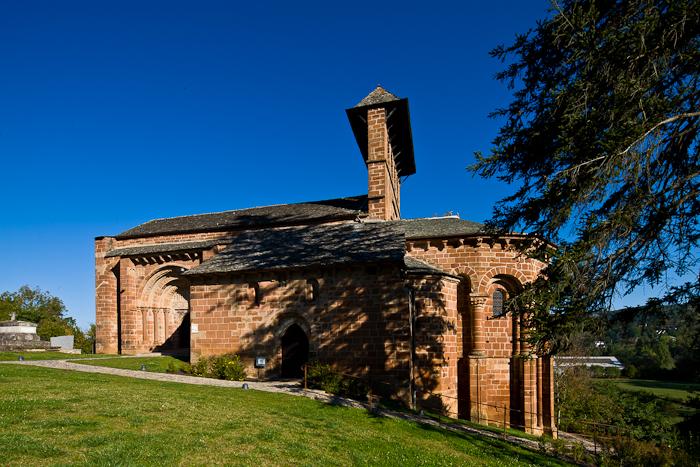 Église Saint Hilarion-de-Perse, Espalion (Aveyron)  Photo by Dennis Aubrey