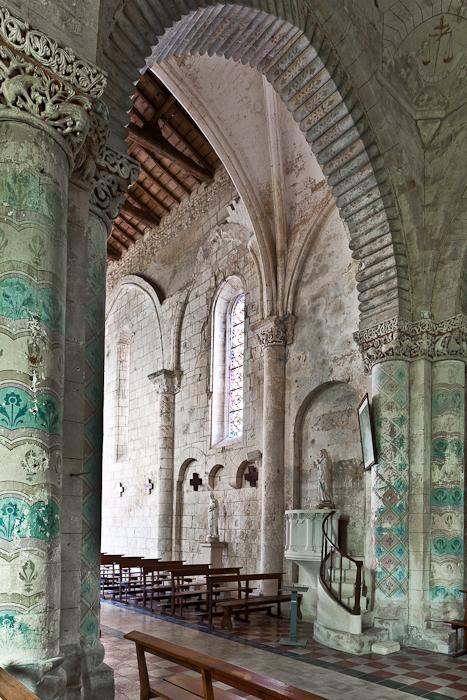 Crossing arch, Église Saint Sulpice, Marignac (Charente-Maritime)  Photo by PJ McKey