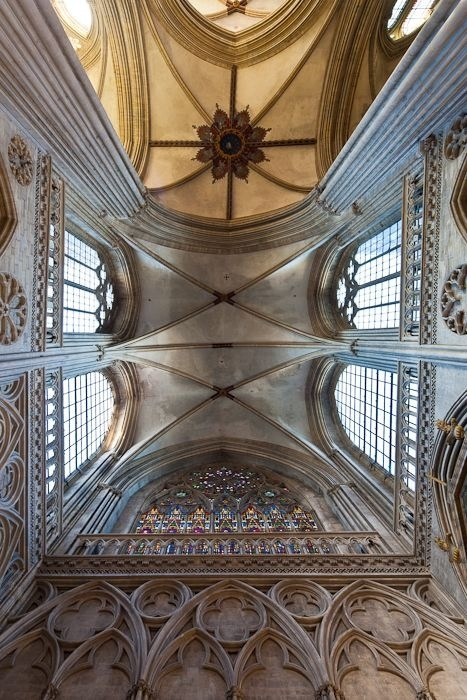 Crossing vault, Cathédrale Notre-Dame de Bayeux, Bayeux (Calvados). Photos by Dennis Aubrey
