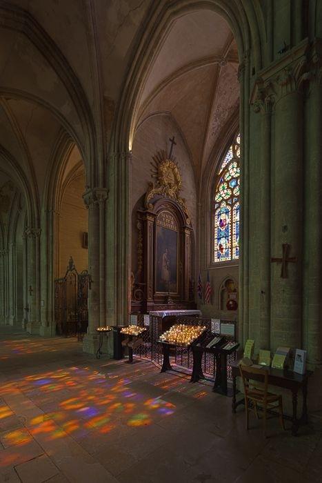 Chapel, Cathédrale Notre-Dame de Bayeux, Bayeux (Calvados). Photos by Dennis Aubrey