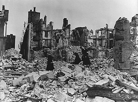 the background information of the hiroshima bombing and its place in us history Seventy years ago this sunday, on august 9, 1945, an american b-29 dropped an atomic bomb on the japanese city of nagasaki, obliterating much of it and killing 74,000 people, mostly civilians it was only the second time in history an atomic bomb had been used as a weapon (read about hiroshima.