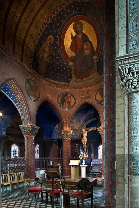Choir and hemicycle, Église Saint George, Bourbon-l'Archambault (Allier) Photo by PJ McKey