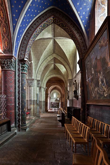 Ambulatory, Église Saint George, Bourbon-l'Archambault (Allier) Photo by PJ McKey