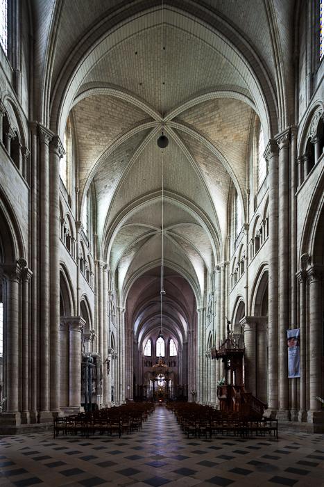 the metropolitan and his cathedral saint tienne de sens dennis aubrey via lucis photography. Black Bedroom Furniture Sets. Home Design Ideas