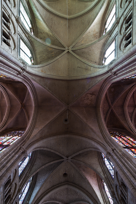 Crossing vault, Cathédrale Saint-Étienne de Sens (Yonne) Photo by Dennis Aubrey
