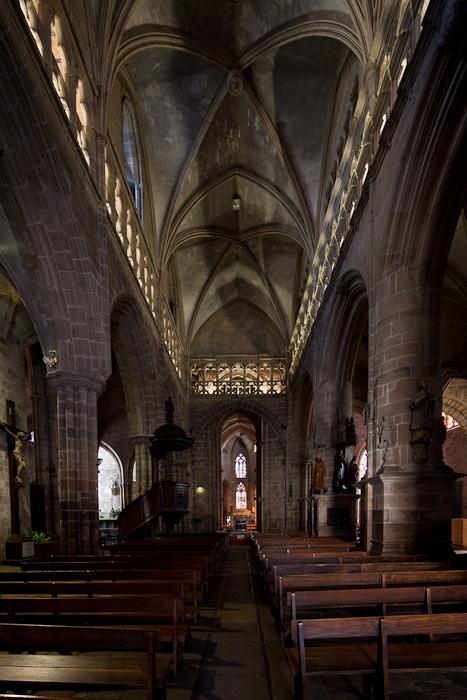 Nave, Notre Dame-du-Bon-Secours, Guingamp (Côtes-d'Armor) Photo by Dennis Aubrey