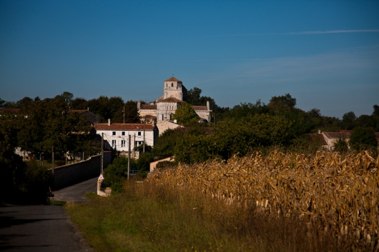 View from east,  Église Saint-Vivien de Geay, Geay (Charente-Maritime)  Photo by Dennis Aubrey