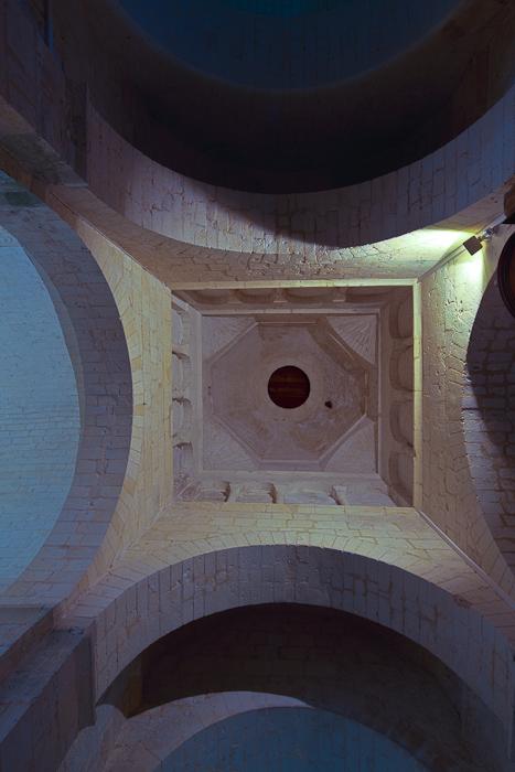 Crossing vault, Église Saint-Vivien de Geay, Geay (Charente-Maritime)  Photo by Dennis Aubrey