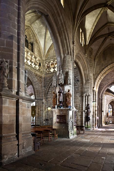 Transept, Notre Dame-du-Bon-Secours, Guingamp (Côtes-d'Armor) Photo by PJ McKey