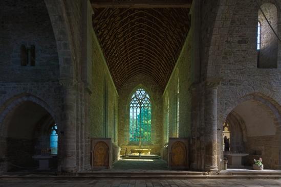 Chancel, Eglise abbatiale Notre-Dame de Boquen, Plénée-Jugon (Côtes-d'Armor) Photo by Dennis Aubrey