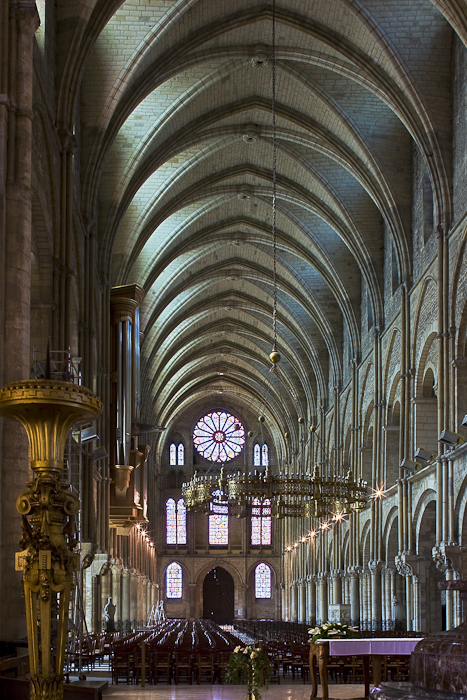 Basilique Saint Remi, Reims (Marne) Photo by Dennis Aubrey