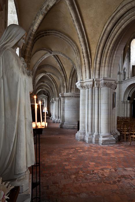 North side aisle,  Église Saint-Samson de Ouistreham, Ouistreham (Calvados)  Photo by PJ McKey