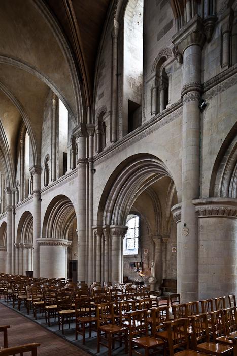 Nave arcade,  Église Saint-Samson de Ouistreham, Ouistreham (Calvados)  Photo by PJ McKey