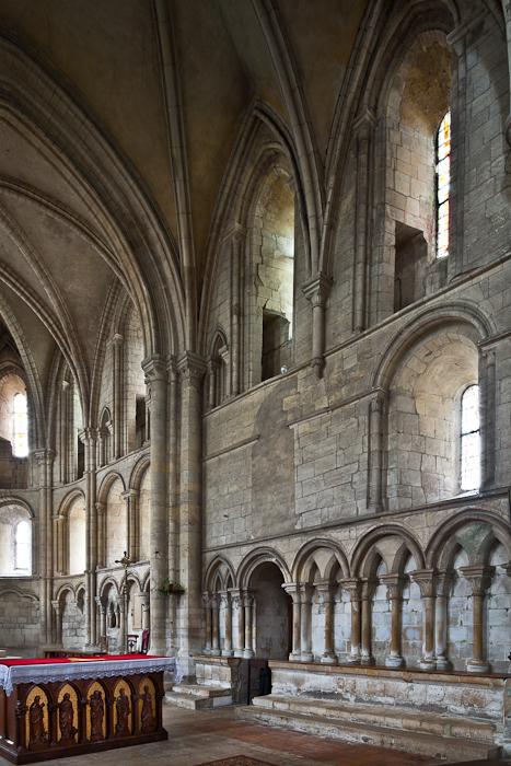 Chancel, Église Saint-Samson de Ouistreham, Ouistreham (Calvados)  Photo by PJ McKey
