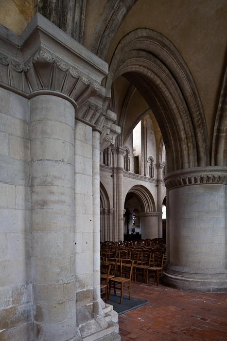 Nave columns, Église Saint-Samson de Ouistreham, Ouistreham (Calvados)  Photo by PJ McKey