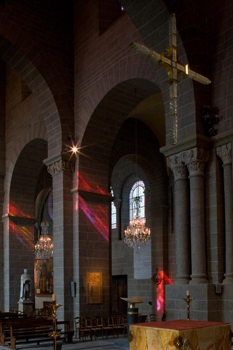 Cathédrale Notre Dame du Puy, Le Puy-en-Velay (Haute-Loire)  Photo by Dennis Aubrey