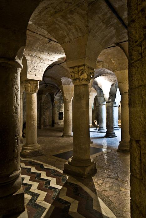 Crypt, Cathédrale Saint Benigne, Dijon (Côte d'Or) Photo by PJ McKey