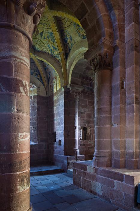 Nave and transept, Église Saint Hilarion-de-Perse, Espalion (Aveyron)  Photo by PJ McKey