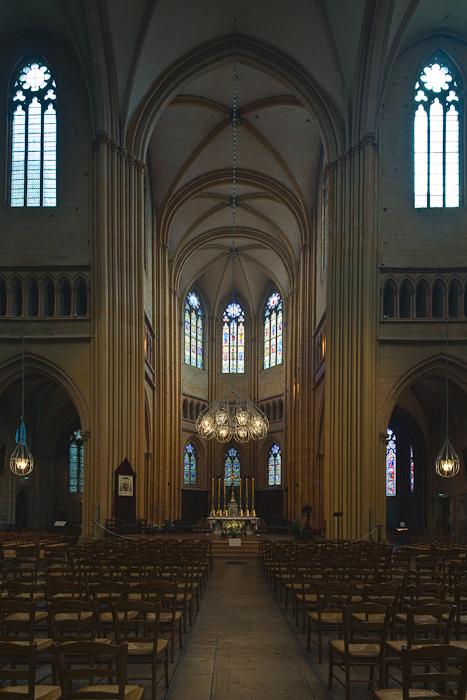 Apse, Cathédrale Saint Benigne, Dijon (Côte d'Or)  Photo by Dennis Aubrey