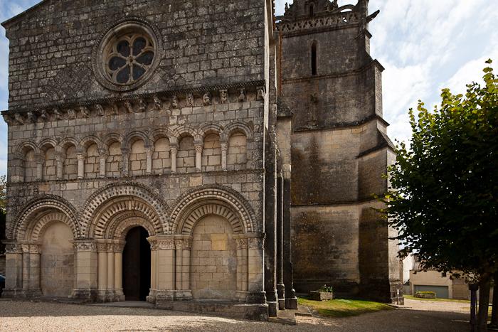 West facade, Église Saint Fortunat, Saint Fort-sur-Gironde (Charente-Maritime)  Photo by Dennis Aubrey