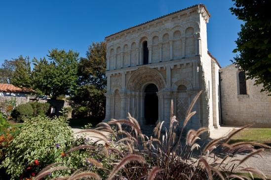 West facade, Notre Dame de Echillais, Echillais (Charente-Maritime)  Photo by Dennis Aubrey