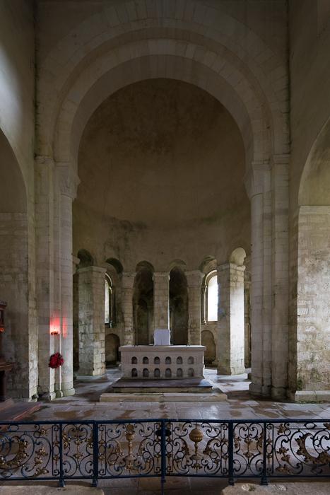 Apse, Eglise Saint-Étienne, Vignory (Haute-Marne) Photo by Dennis Aubrey