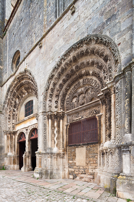 West facade, Collégiale Saint Lazare, Avallon (Yonne)  Photo by Dennis Aubrey
