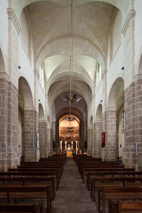 Nave, Abbaye Saint Gildas-de-Rhuys,  Saint Gildas-de-Rhuys (Morbihan)  Photo by Dennis Aubrey