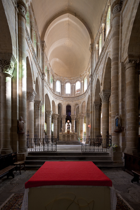 Apse, Église Saint Menoux, Saint Menoux (Allier) Photo by Dennis Aubrey
