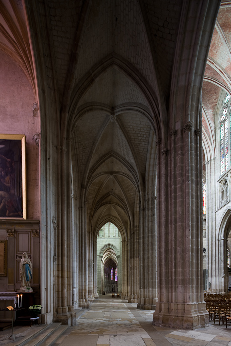 North side aisle, Cathédrale Saint Etienne, Auxerre (Yonne) Photo by Dennis Aubrey