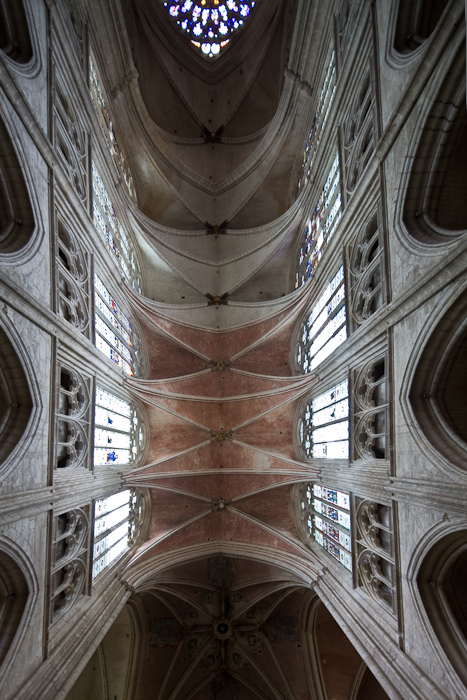 Quadripartite vault, Cathédrale Saint Etienne, Auxerre (Yonne) Photo by Dennis Aubrey