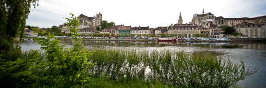 Auxerre from across the Yonne, Photo by Dennis Aubrey