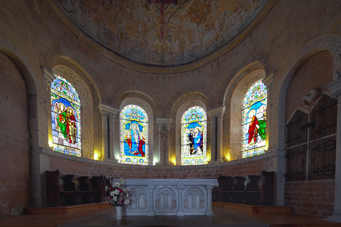 Apse, Collégiale Saint Lazare, Avallon (Yonne)  Photo by Dennis Aubrey