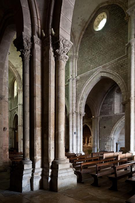 Nave detail, Collégiale Saint Lazare, Avallon (Yonne)  Photo by PJ McKey