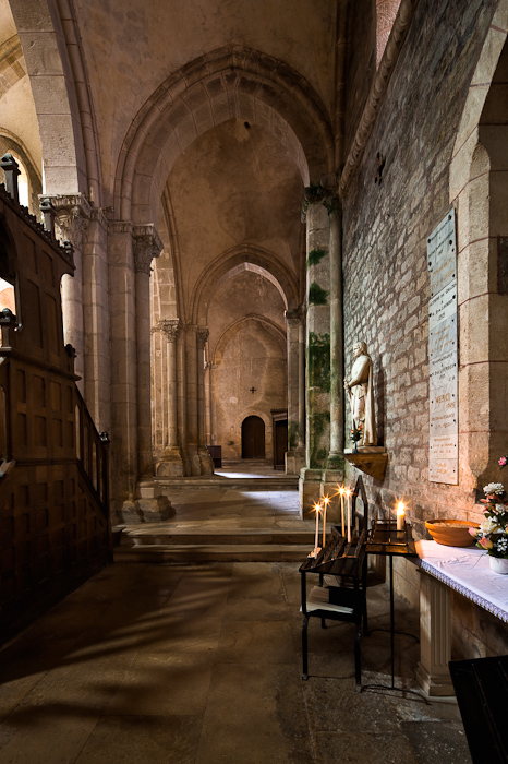 North side aisle, Collégiale Saint Lazare, Avallon (Yonne)  Photo by Dennis Aubrey