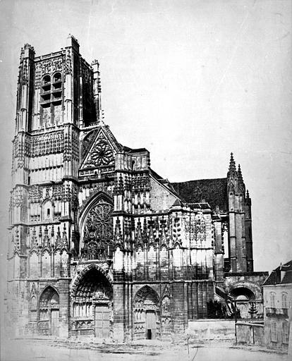 Cathédrale Saint Etienne, Auxerre (Yonne)  Photographe : Baldus, Edouard-Denis, 1851