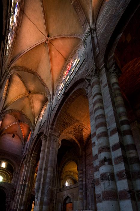 Vaults and clerestory windows, Basilique Saint Julien, Brioude (Haute-Loire) Photo by Dennis Aubrey