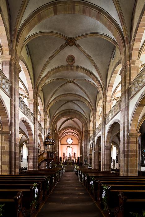 Nave, Église Saint Pierre et Saint Paul, Andlau (Bas-Rhin)  Photo by Dennis Aubrey